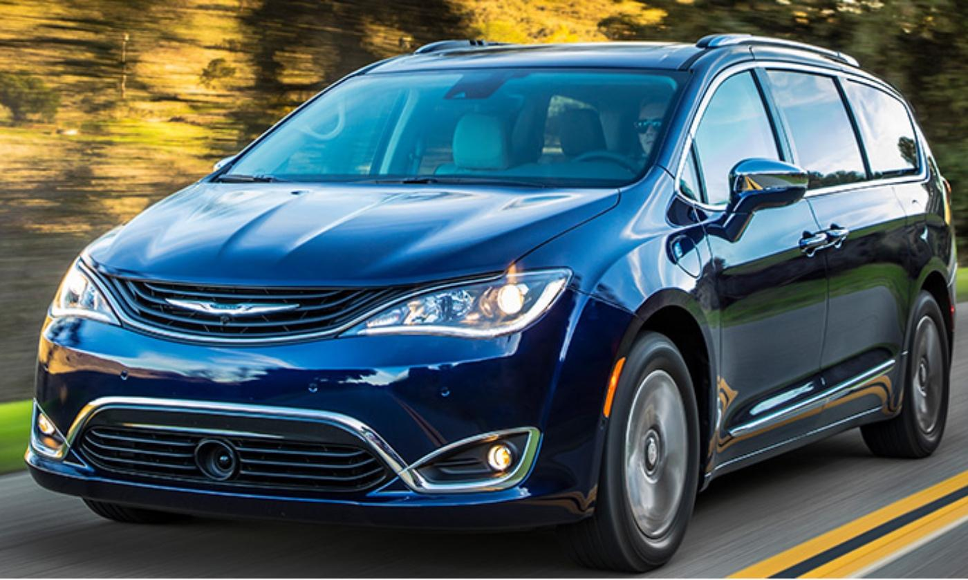 Chrysler Pacifica Hybrid Minivan Gets
