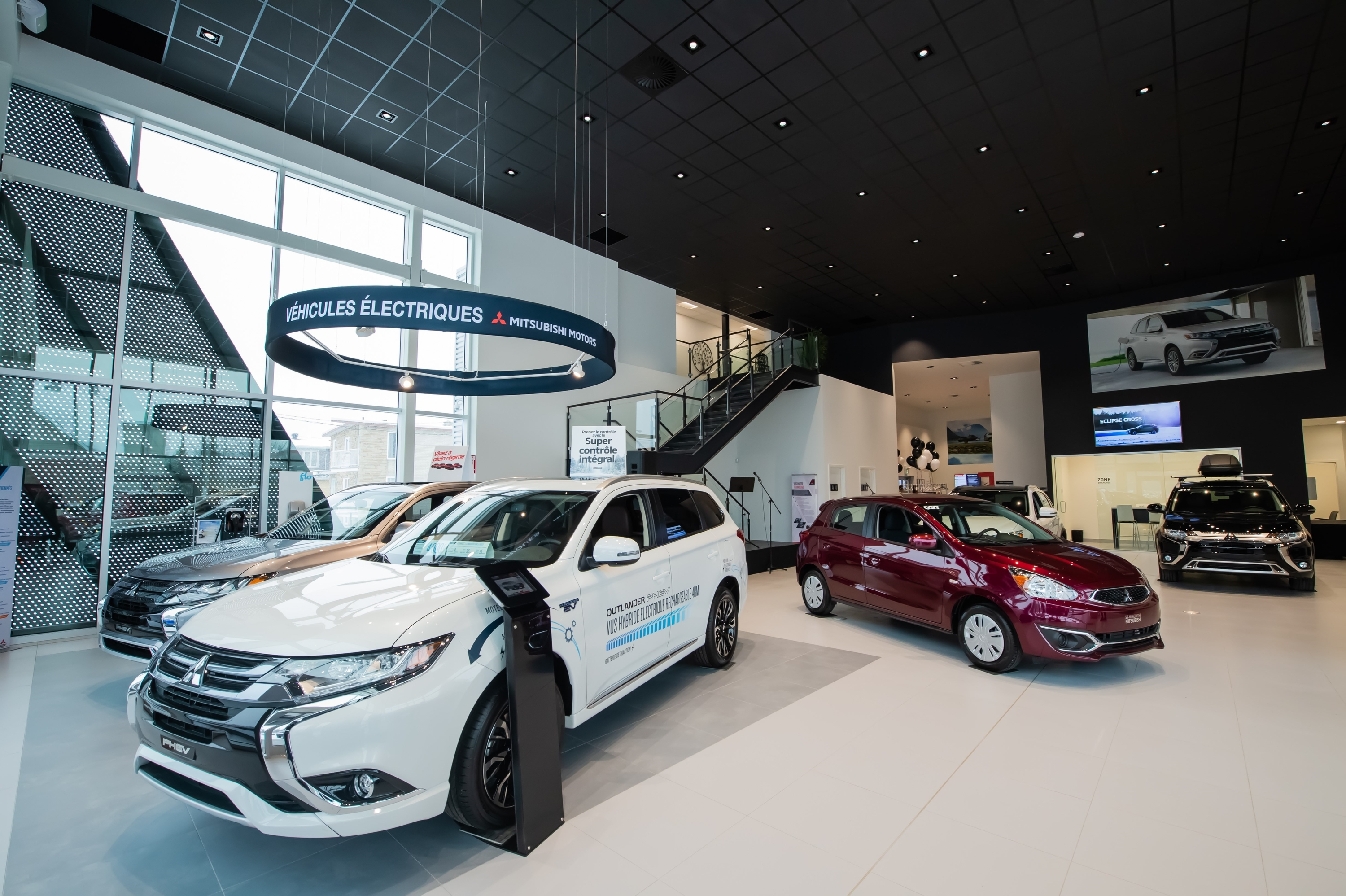 1st Redesigned Mitsubishi Canada Store Opens In Quebec