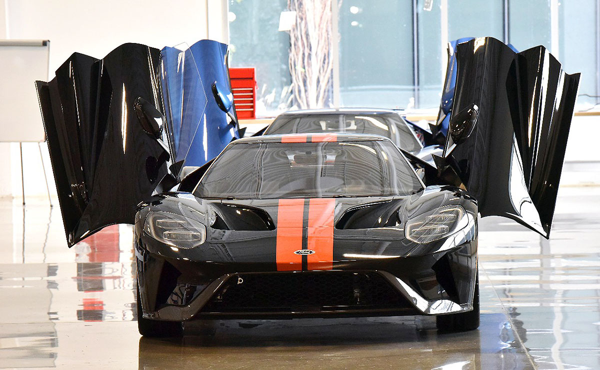 At  Km H Ontario Built Ford Gt Is Fastest Car Ever Under The Blue Oval
