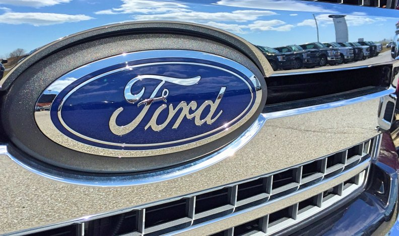 Ford Recalls F 150 Super Duty Trucks A Second Time For Fire