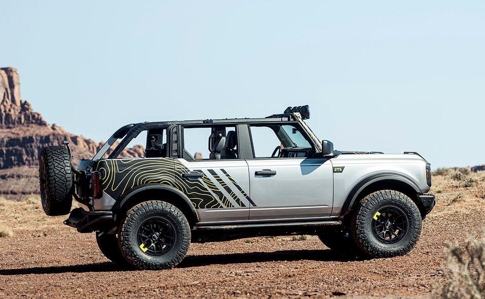 bronco_moab_rtr_vehicles_custom_bronco_four-door_2.jpg
