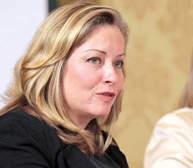 2010-leading-women-Linda-Hasenfratz-Linamar-Corp.jpg