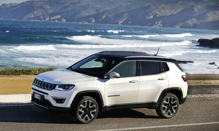 Canadian dealers call for a cheaper Jeep from FCA