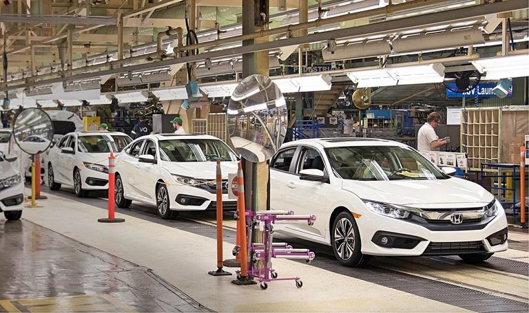 Honda Civic weathers crossover tsunami, grows its market share