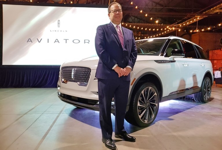 Lincoln Aviator lands in Canada to sounds of classical quartet