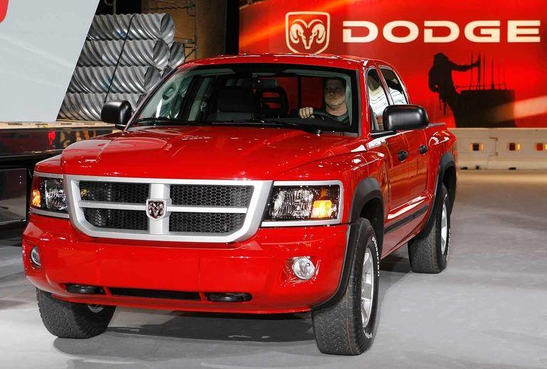 Unifor lobbies FCA to build midsize Dakota truck in Ontario