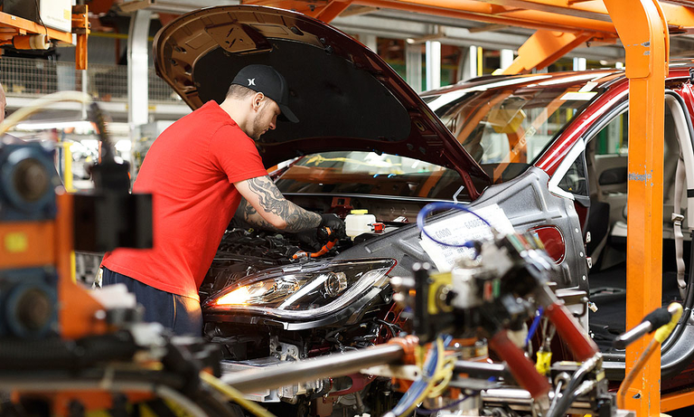 FCA extends life of 3rd shift at Ontario minivan plant by two weeks