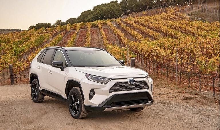 Ottawa should be 'technology neutral' on EVs, Toyota Canada president says