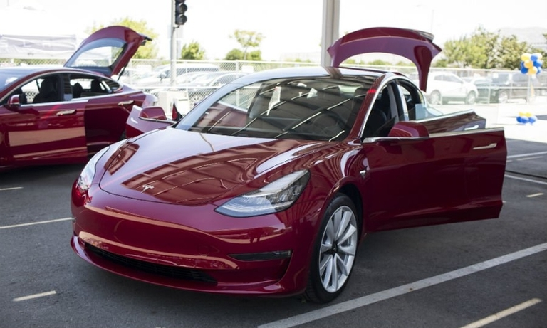 Tesla Model 3 gets price drop, shorter range to qualify for federal rebate