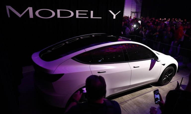 Tesla Model Y joins EV battlefield