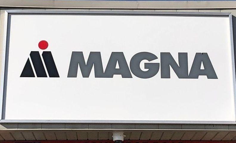 Magna sign_i.jpg