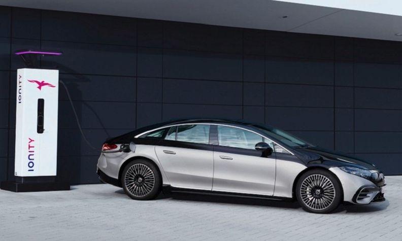 Mercedes EQS charging web.jpg