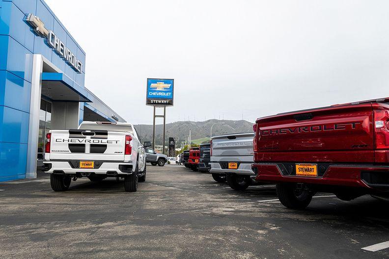 chevrolet trucks.jpg